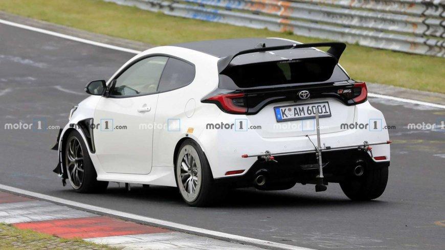 """Toyota тестирует самую мощную версию """"заряженного"""" хэтчбека GR Yaris"""