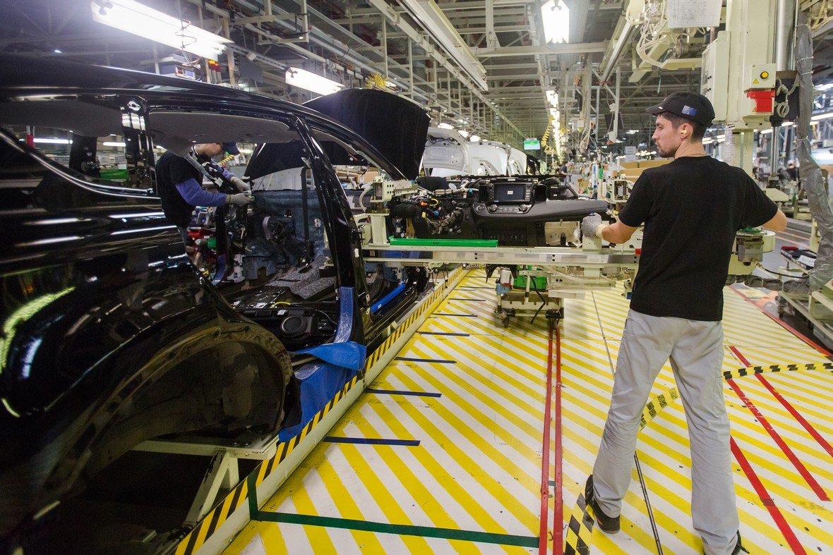 Машины Toyota снова стали выпускать в России
