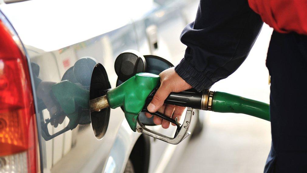 В Госдуме прокомментировали предупреждение о риске увеличения цен на бензин