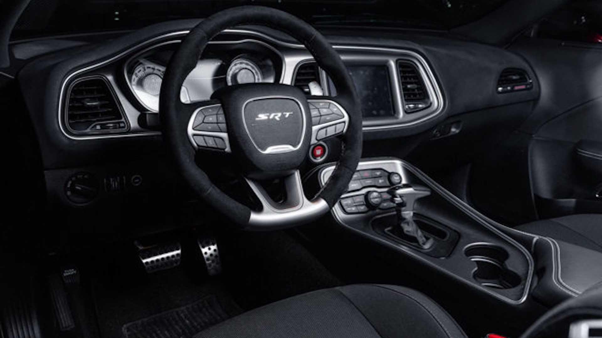 Лимитированный Dodge Challenger SRT Demon с пробегом 1 660 км выставили на продажу