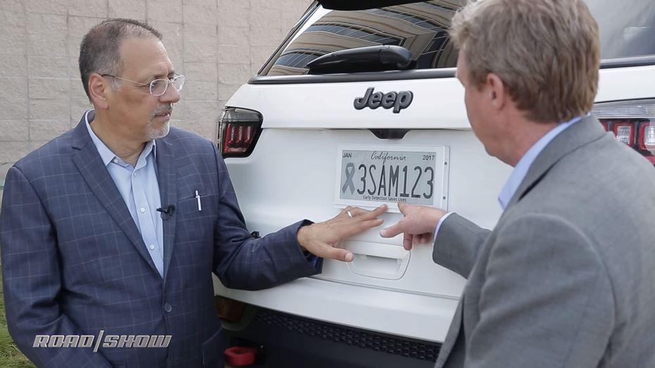 ВСША появились цифровые автомобильные номера, показывающие рекламу