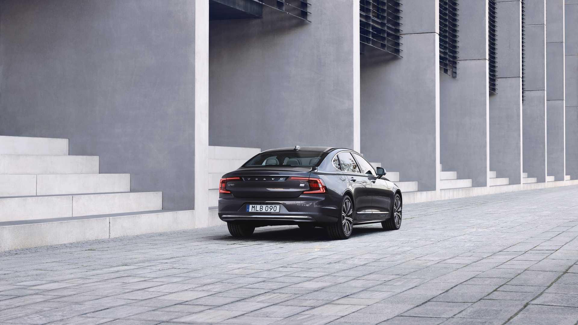 Что известно об обновленных Volvo S90 и V90