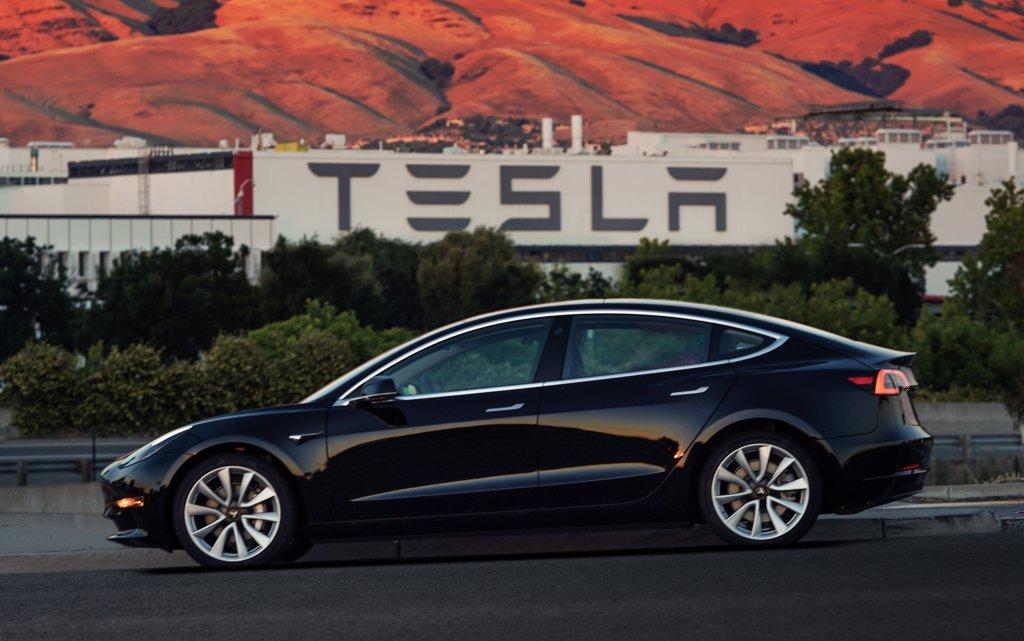 Стало известно осерьезной проблеме Tesla с выходом Model 3
