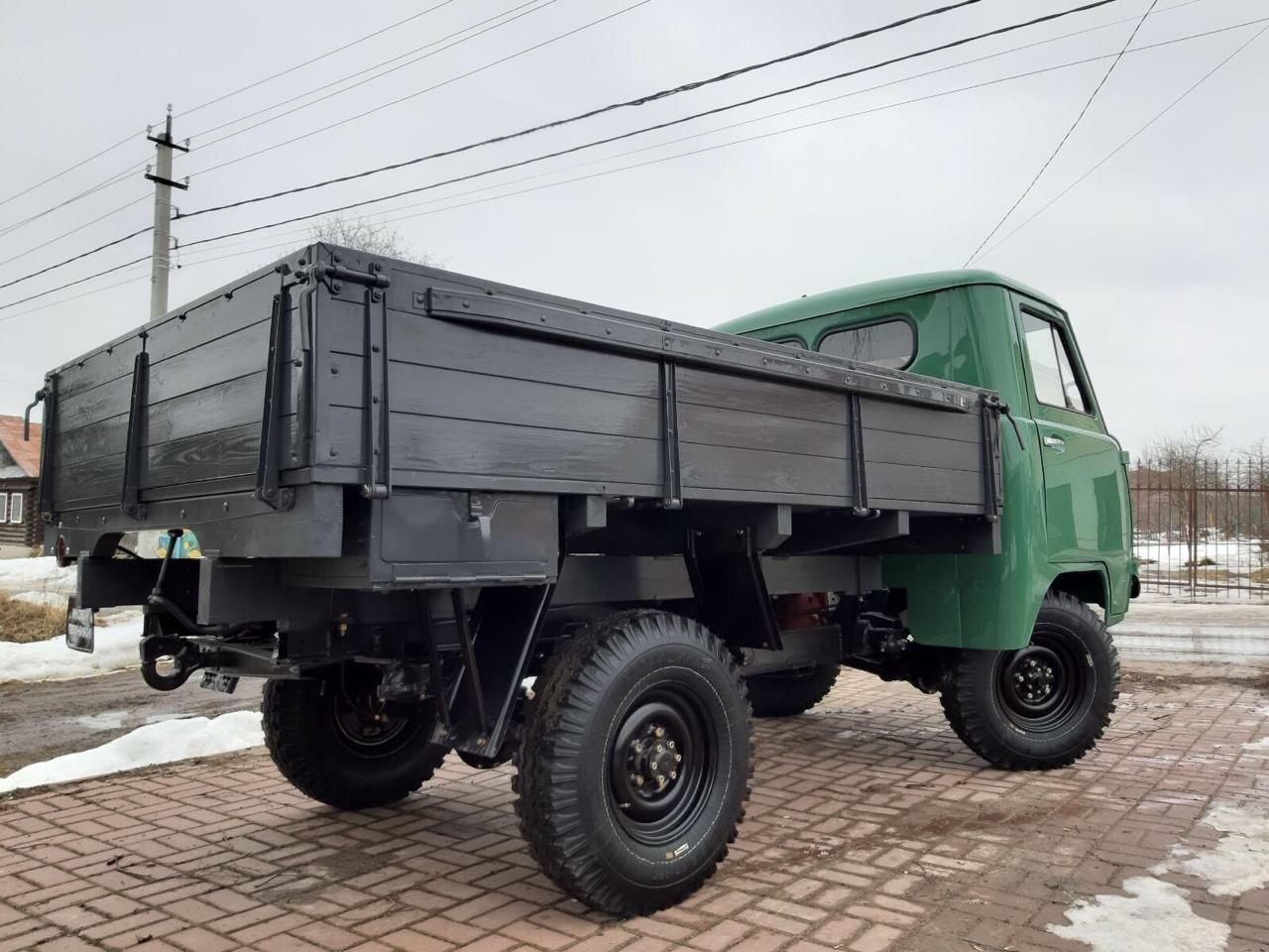 В РФ восстановили очень редкий бортовой грузовик УАЗ