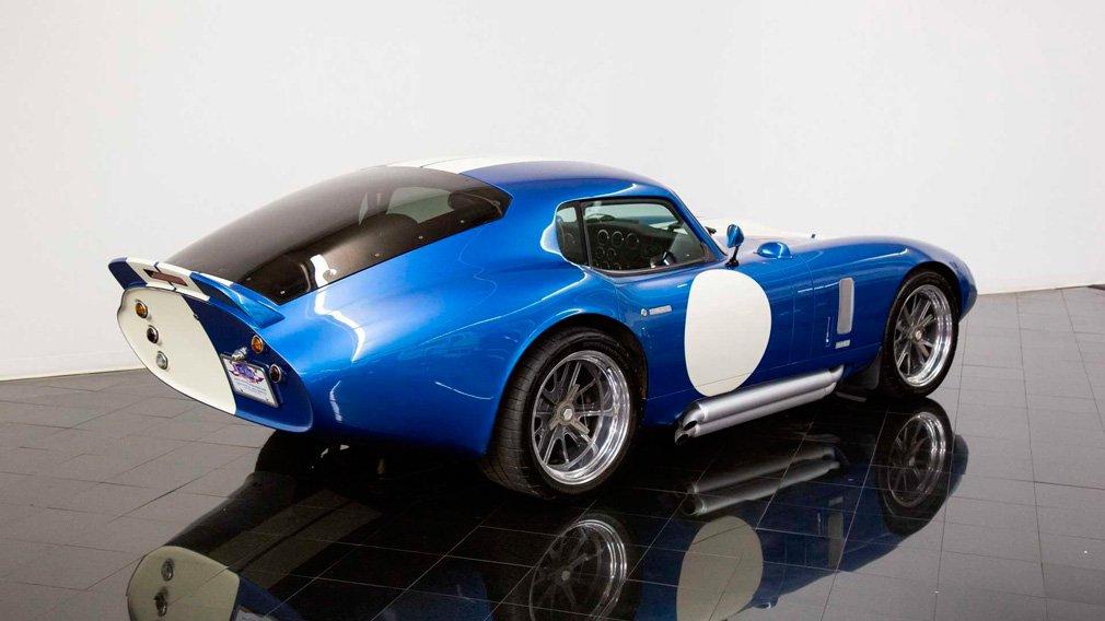 В продаже появилось 562-сильное купе Shelby Daytona 1964 года выпуска