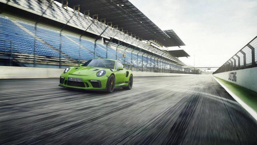 Улучшенный Порш 911 GT3 RSрассекретили всети интернет