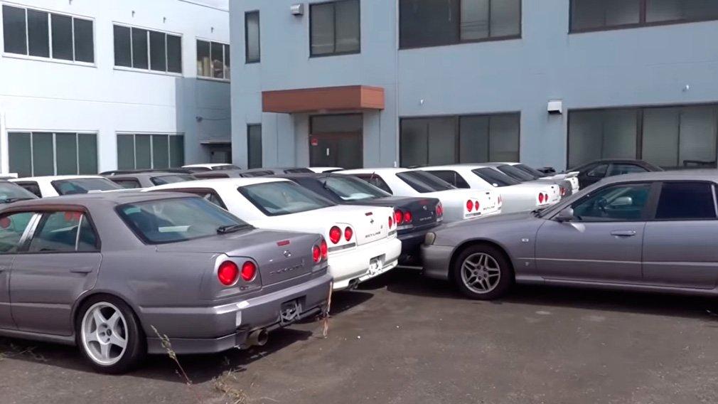 Обнаружили склад, где Nissan Skyline продаются очень дешево