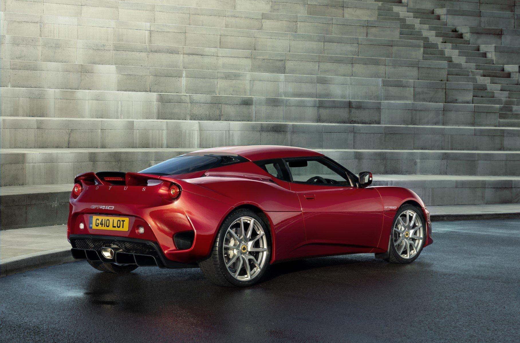 Компания Lotus представила спорткар «на каждый день»