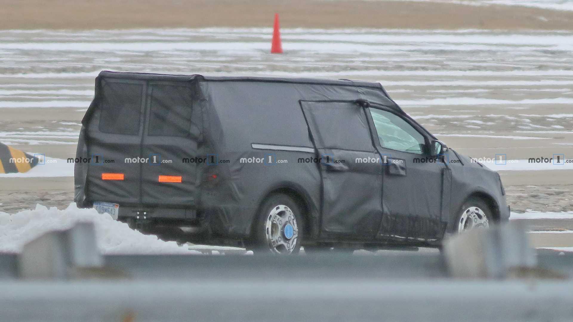На тестах замечен сильно закамуфлированный прототип нового грузовика Ford
