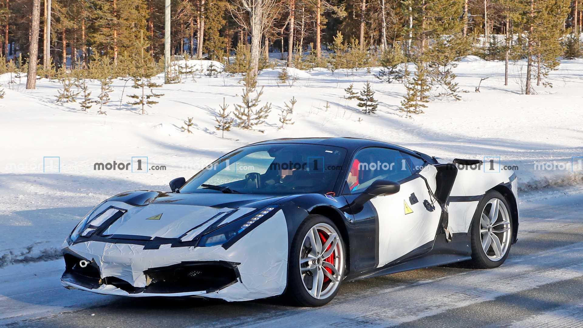 На тестах замечен необычный прототип суперкара Ferrari 488