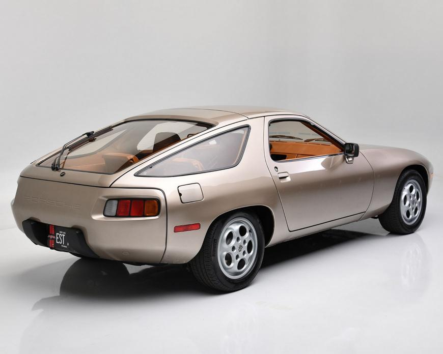 Старый Porsche 928 из фильма «Рискованный бизнес» продали за безумные $1,98 млн