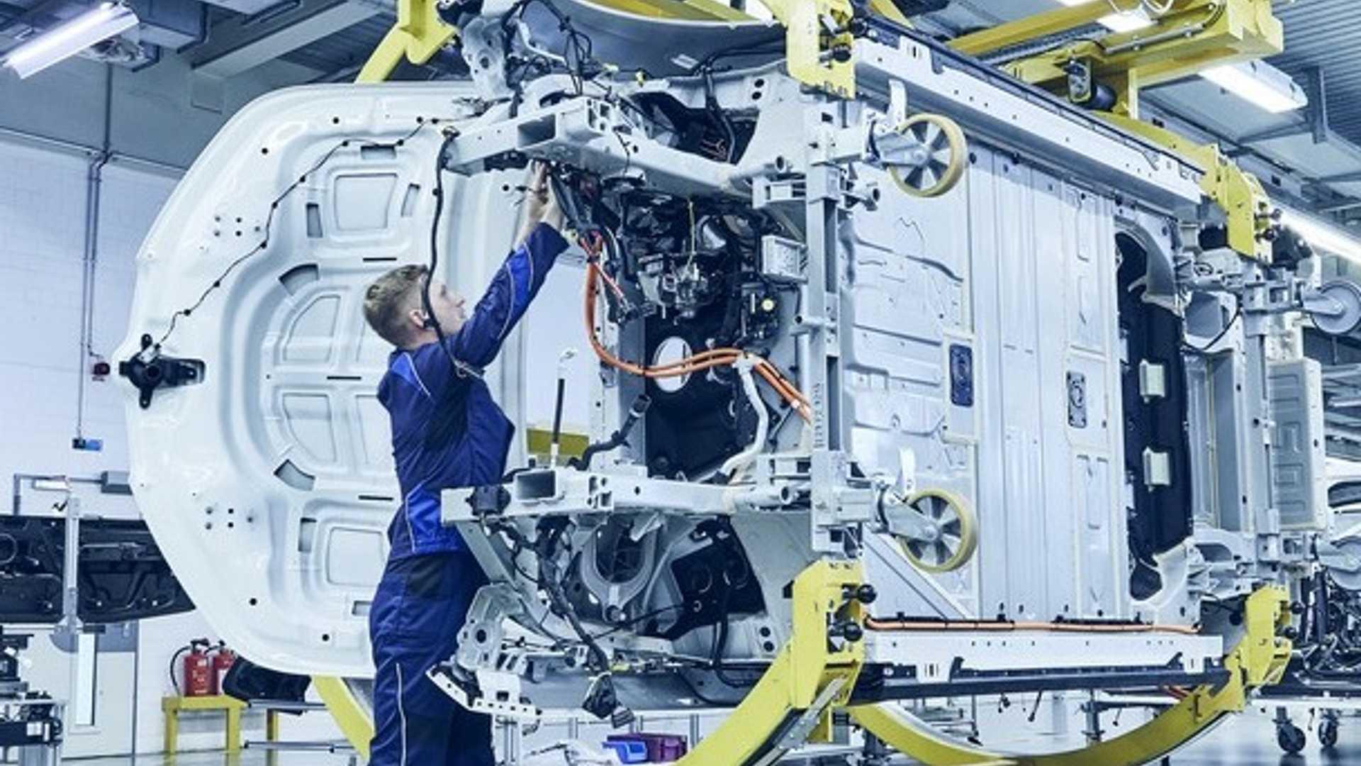 BMW iNext станет «пионером многих ключевых автомобильных инноваций»