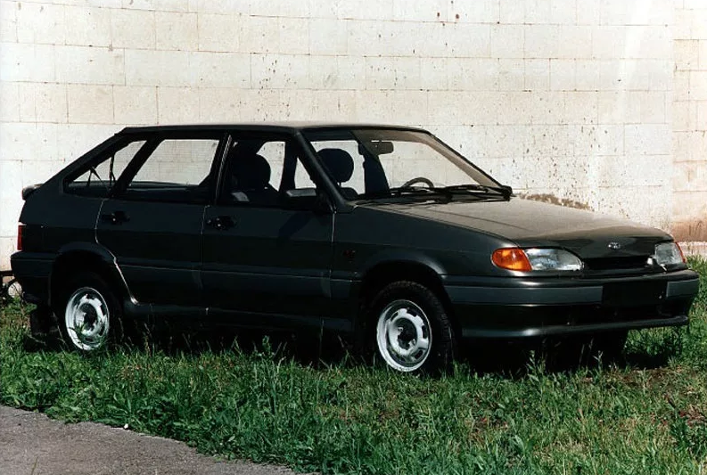 Названы самые популярные автомобили LADA на вторичном авторынке