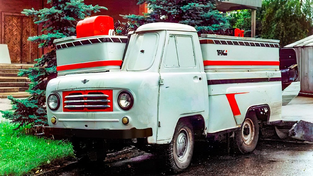 В интернете вспомнили о ледозаливном комбайне на основе УАЗ-452