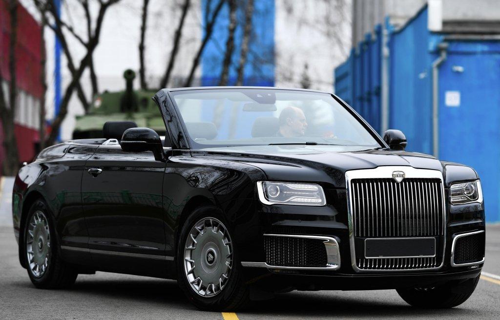 Мантуров рассказал о советах Путина по улучшению авто Aurus