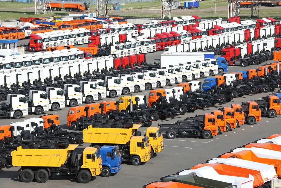 В России снизилось производство новых машин