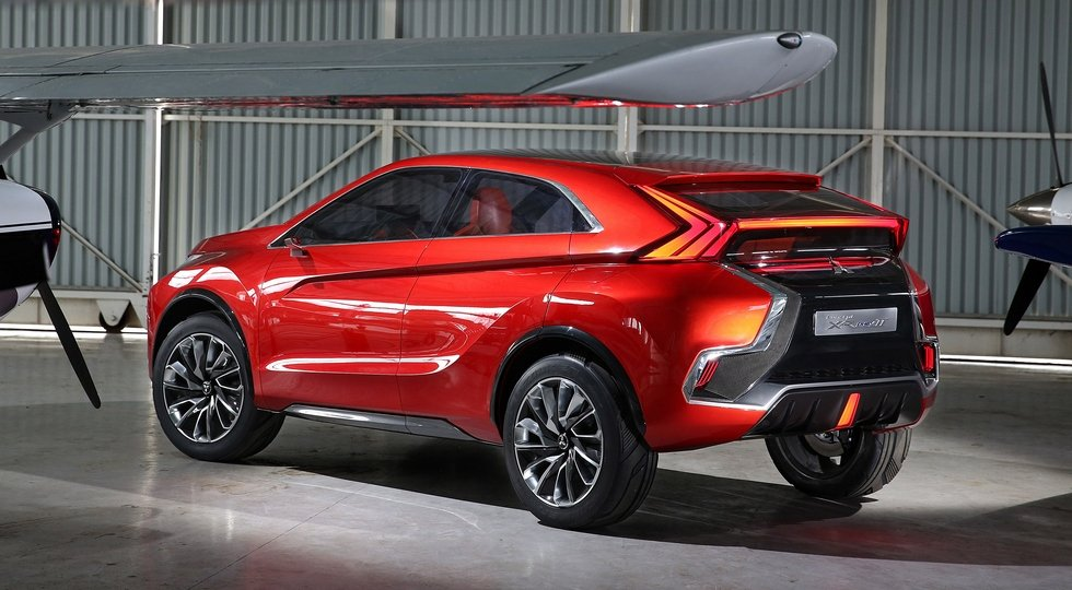 Mitsubishi Concept XR-PHEV II вид сзади