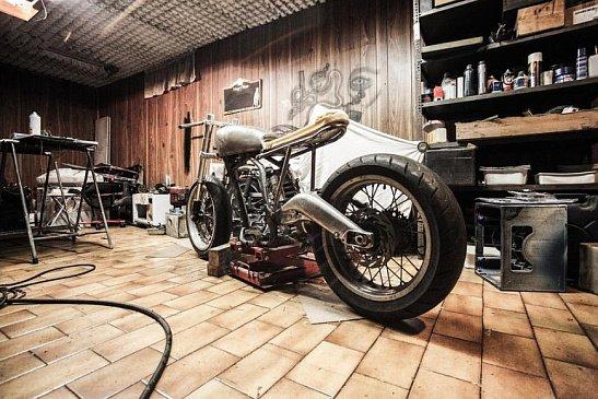 В сети появились первые снимки прототипа мотоцикла Triumph Trident