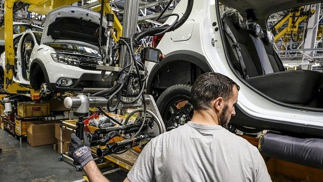 Lotus разрабатывает свой последний бензиновый спорткар