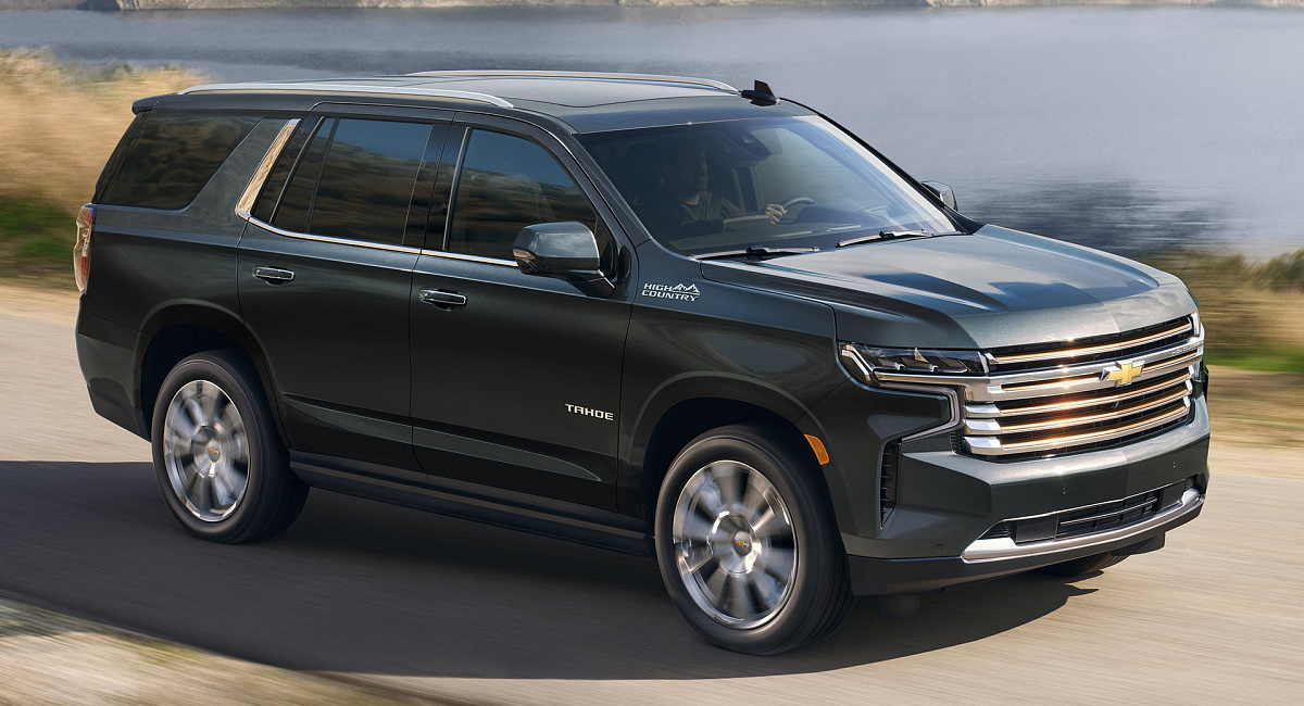 Chevy расширяет доступность 6.2-литрового мотора V8 и добавляет новые технологии в Tahoe и Suburban 2022