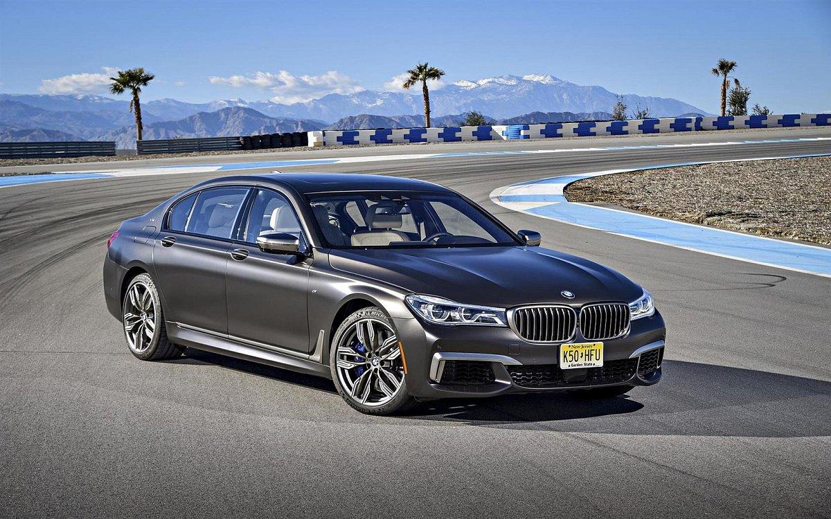 BMW увеличила количество отзываемых седанов M760Li