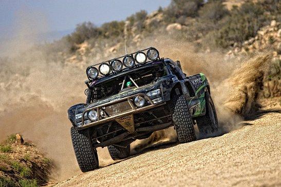Hummer оснастили 13-дюймовыми колесами от «Жигулей»