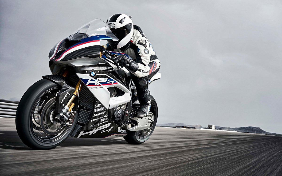 BMW начнет оснащать активным круиз-контролем свои байки