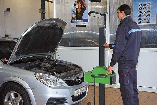 Составлен ТОП-7 специфических товаров с Aliexpress, которые помогут авто выбраться из грязи