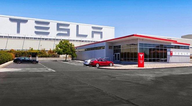 У электромобиля Tesla отвалился руль в ходе движения
