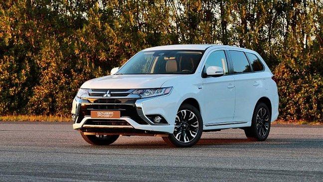 Российский ценник Mitsubishi Outlander вырос на 30 000 рублей