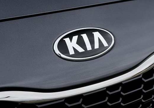 В сети появились дебютные шпионские фото Kia Optima Hybrid