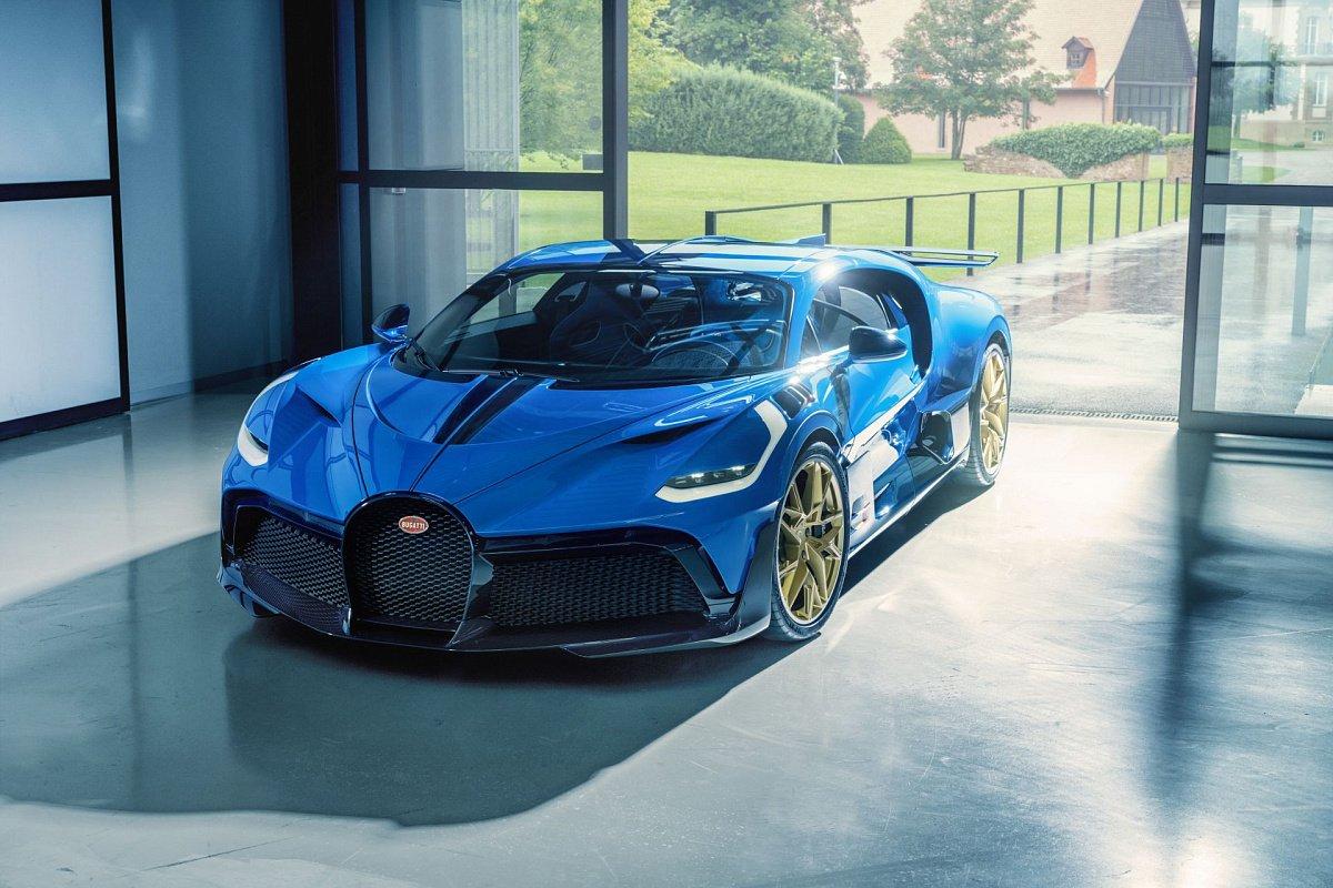 Бренд Bugatti отправил клиенту последний из 40 редких гиперкаров Divo