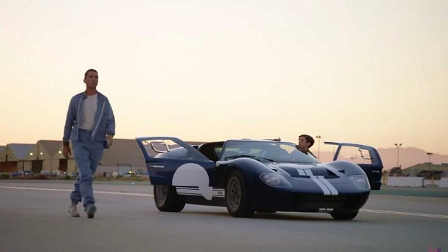 Илон Макс восхищен новым электро-кроссовером Ford Mustang Mach-E