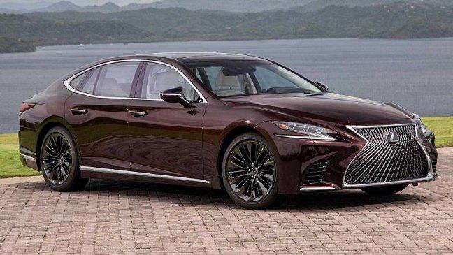 Lexus решил не поднимать цены на машины в России до лета