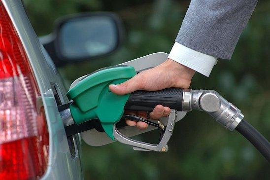 Рассказали, можно ли заливать 92-й бензин вместо 95-го