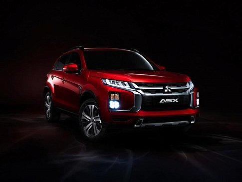 Из Mitsubishi Diamante сделали «настоящую» машину времени