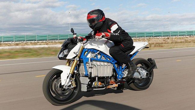 Нейкед KTM превратили в мощный эндуро