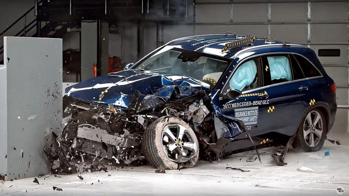Новая Тойота Camry 2018 получила максимальный балл забезопасность