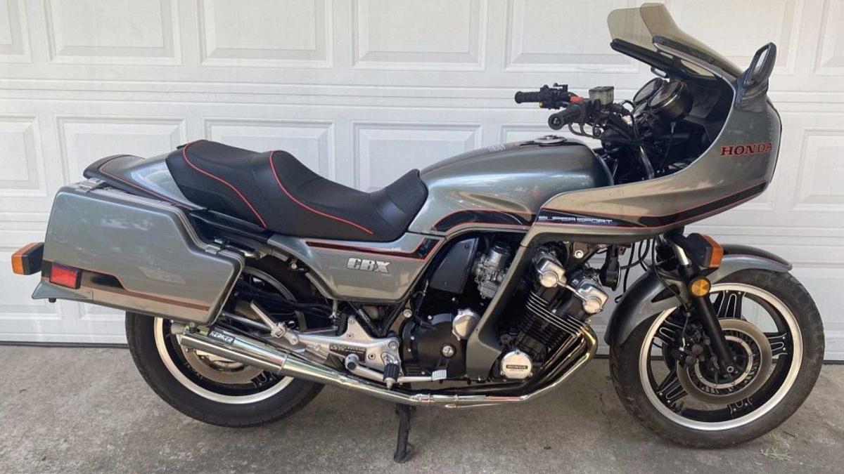 На продажу выставили Honda CBX Super Sport 1981 года выпуска