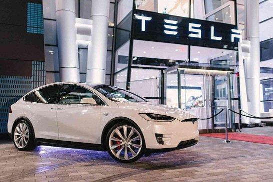 Пикап Tesla Cybertruck получит рулевое управление задними колесами