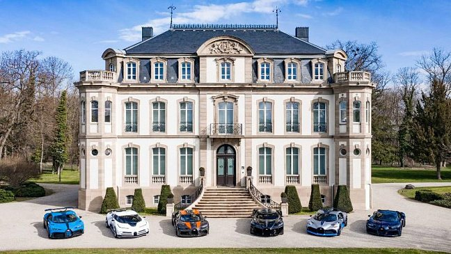 Bugatti Veyron отмечает 15-летний юбилей установления рекорда скорости