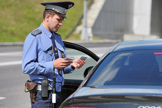 Стало известно, сколько московских автомобилистов ездят без пропусков