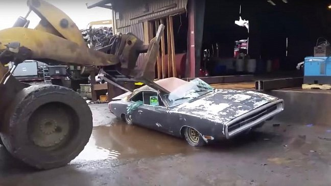 Из-за колес Dodge отправляет на ремонт Charger и Challenger