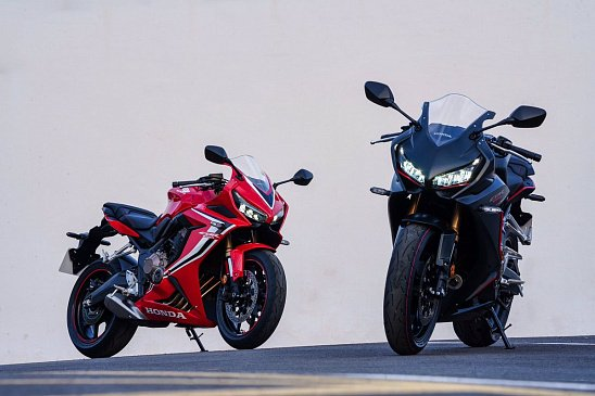 В Китае начались продажи мотоцикла Benelli TNT600i
