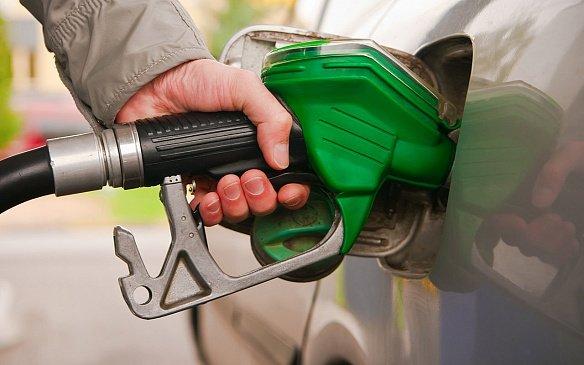 Путин обратил внимание на подорожание бензина
