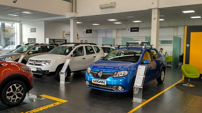 Renault возобновляет работу своих предприятий во Франции