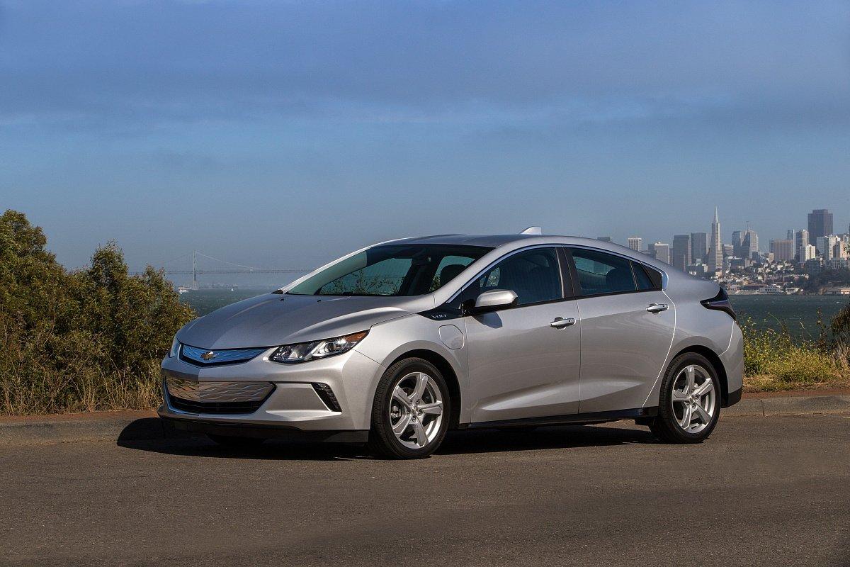 GM закрывает производство Chevrolet Volt и Buick La Crosse в США