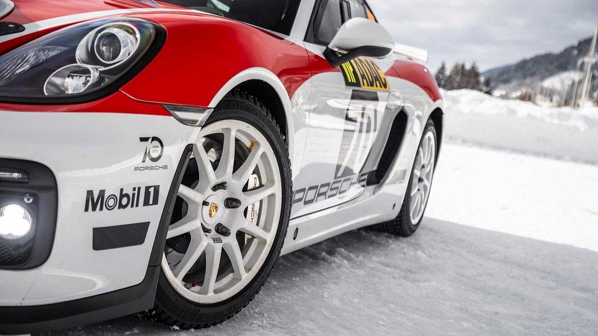 Порше 718 Cayman GT4 Clubsport будет новым раллийным спорткаром