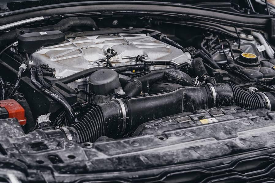 Тест-драйв Range Rover Velar SVAutobiography Dynamic от CarsWeek.ru